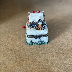 "Thomas Kinkade ""A Christmas Welcome"" ornament"